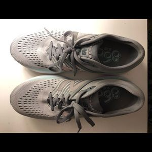 Gray New Balance Sneakers